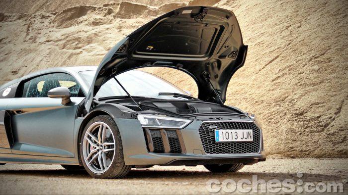 Audi_R8_V10_Plus_5.2_FSI_quattro_Stronic_071