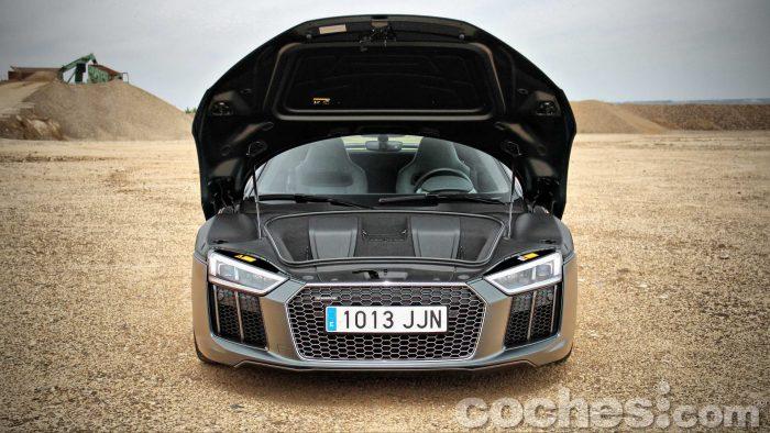 Audi_R8_V10_Plus_5.2_FSI_quattro_Stronic_072