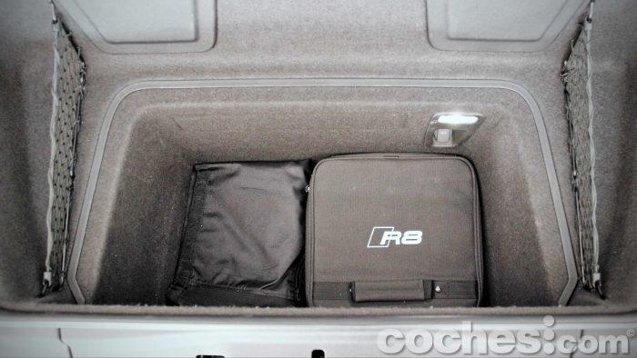 Audi_R8_V10_Plus_5.2_FSI_quattro_Stronic_074