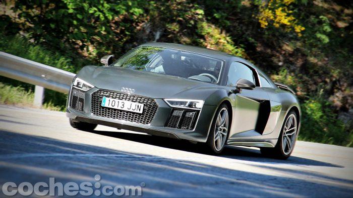 Audi_R8_V10_Plus_5.2_FSI_quattro_Stronic_091
