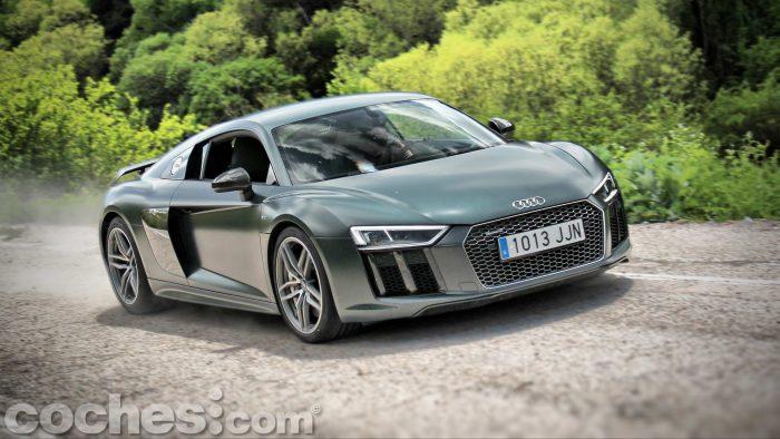Audi_R8_V10_Plus_5.2_FSI_quattro_Stronic_092