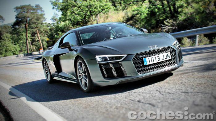 Audi_R8_V10_Plus_5.2_FSI_quattro_Stronic_094