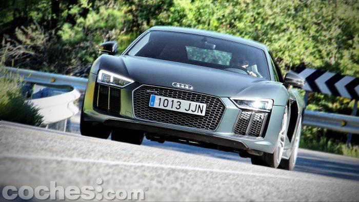 Audi_R8_V10_Plus_5.2_FSI_quattro_Stronic_097