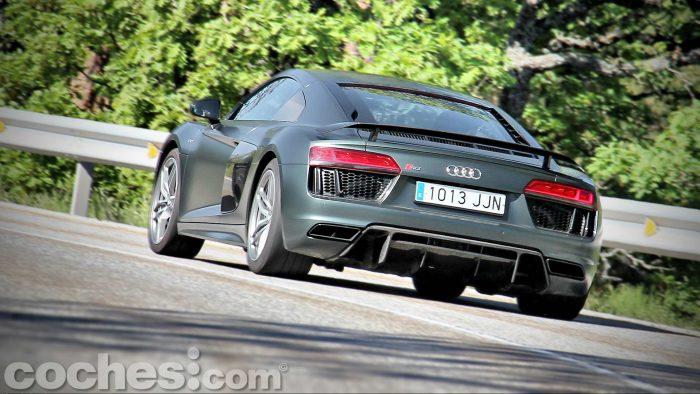Audi_R8_V10_Plus_5.2_FSI_quattro_Stronic_099