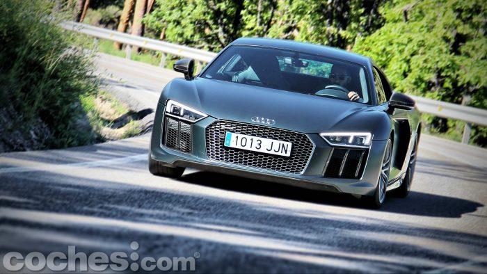 Audi_R8_V10_Plus_5.2_FSI_quattro_Stronic_100