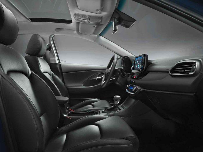 Hyundai i30 2017 interior - 2