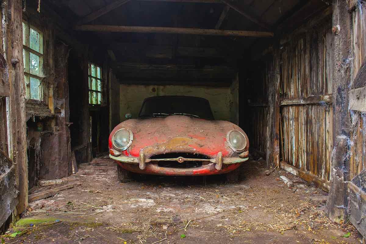Jaguar E-Type 3.8 Coupe 1964 barn find – 2