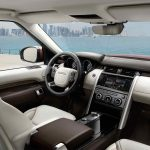 Land Rover Discovery 2017 interior - 3