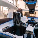"""Generation EQ, Interieur, ein Lichtband sorgt für einen """"Wrap-around""""-Effekt im fahrerorientierten Cockpit ;  Generation EQ, interior, a light strip creates a 'wrap-around' effekt in the driver-oriented cockpit;"""