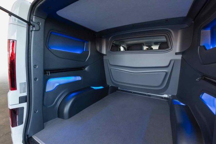 Opel Vivaro Sport 2016 interior