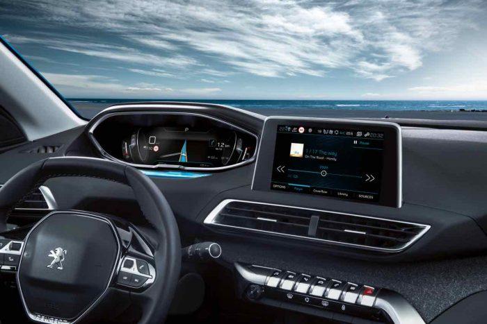 Peugeot 5008 2017 interior - 2
