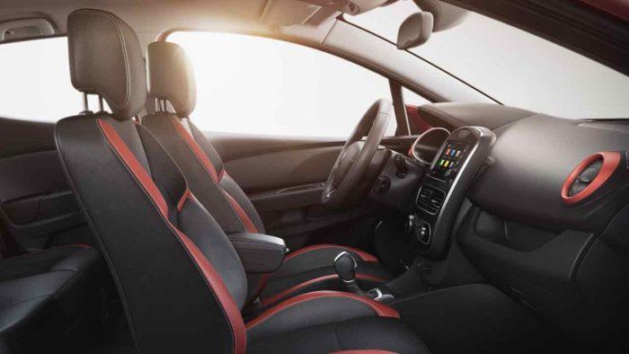 Renault Clio Sport Tourer 2017 interior - 7