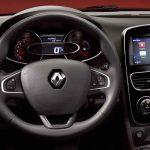 Renault Clio Sport Tourer 2017 interior - 8