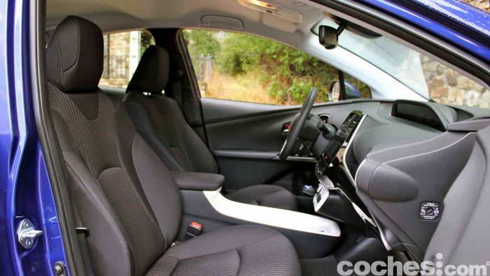 Toyota Prius 2015 interior prueba 10