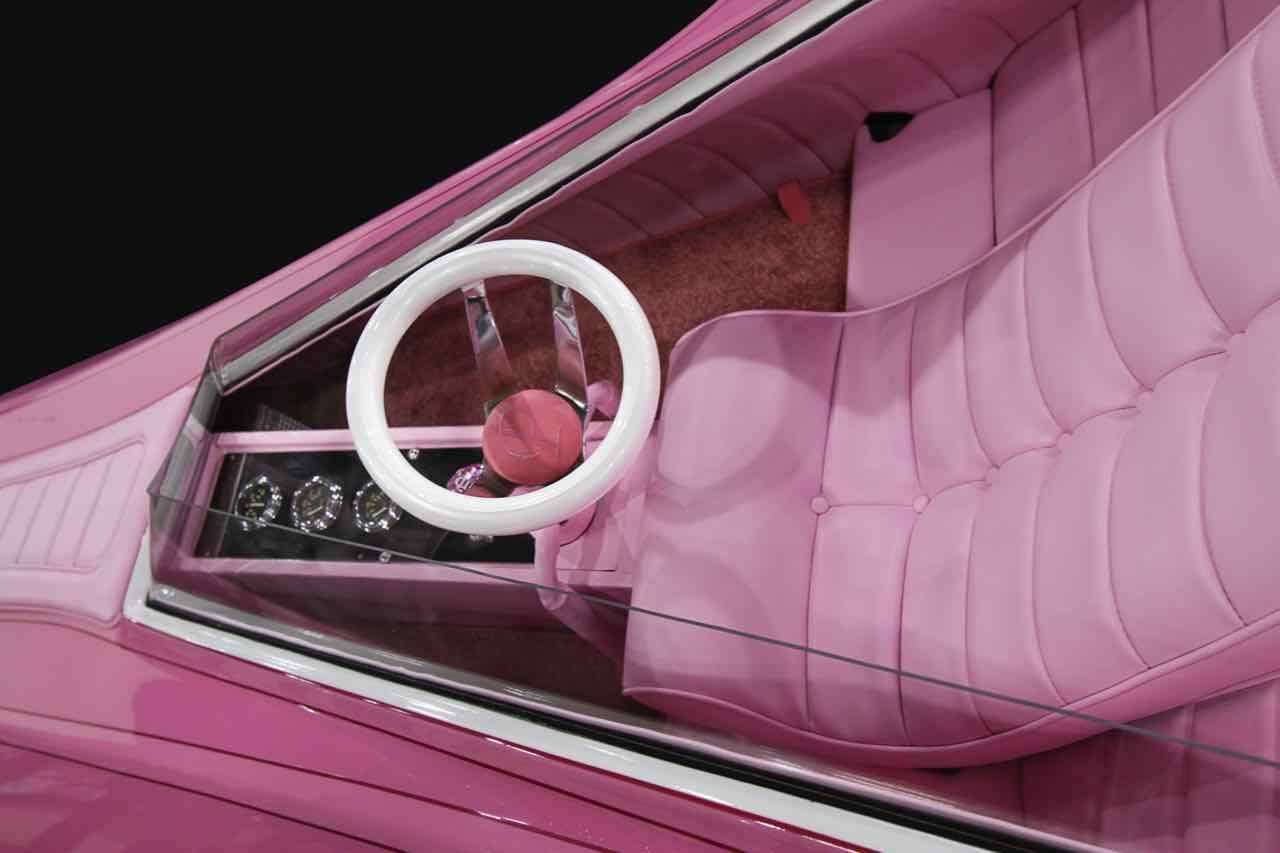 el regreso del coche de la pantera rosa