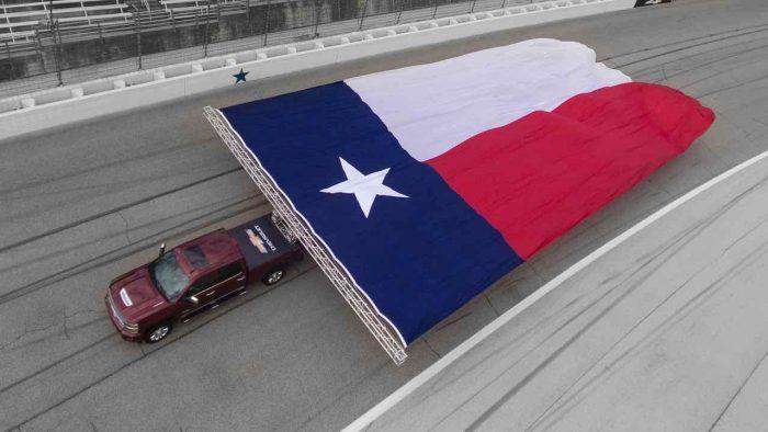 Chevrolet Silverado 2017 bandera Texas gigante 02