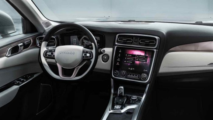 lynk-co-01-2016-interior-2