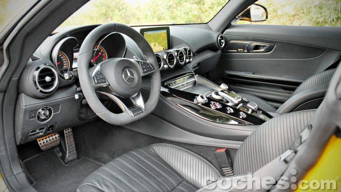 Mercedes-AMG_GT_S_035