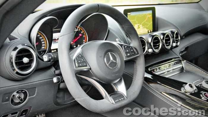 Mercedes-AMG_GT_S_036