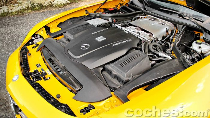 Mercedes-AMG_GT_S_050