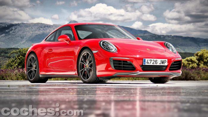 Porsche_911_Carrera_4S_001