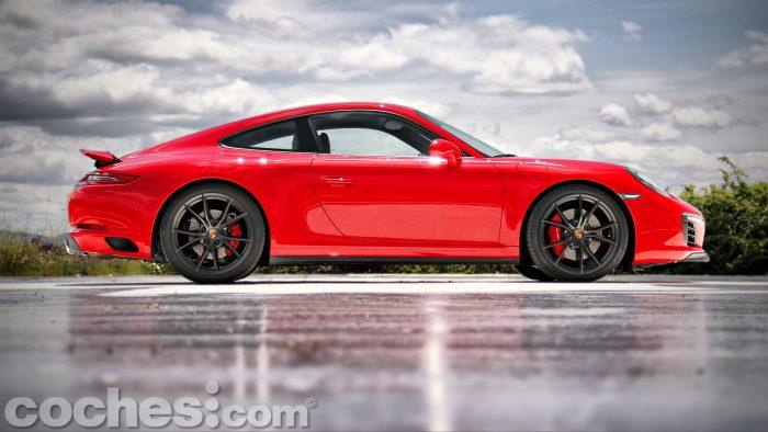 Porsche_911_Carrera_4S_007