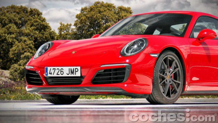 Porsche_911_Carrera_4S_008