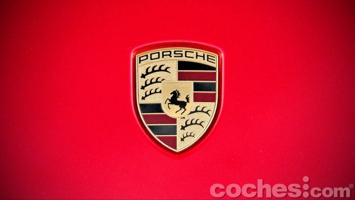 Porsche_911_Carrera_4S_025