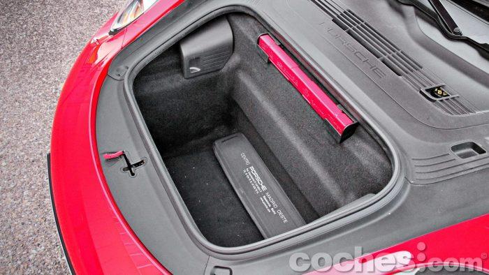 Porsche_911_Carrera_4S_077