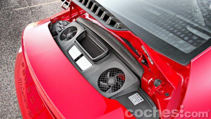 Porsche_911_Carrera_4S_081