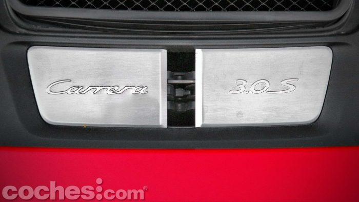 Porsche_911_Carrera_4S_082