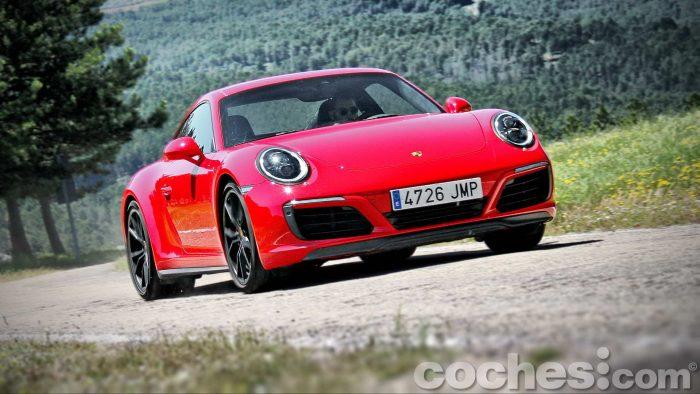 Porsche_911_Carrera_4S_093