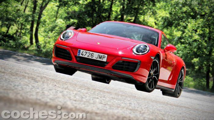 Porsche_911_Carrera_4S_099