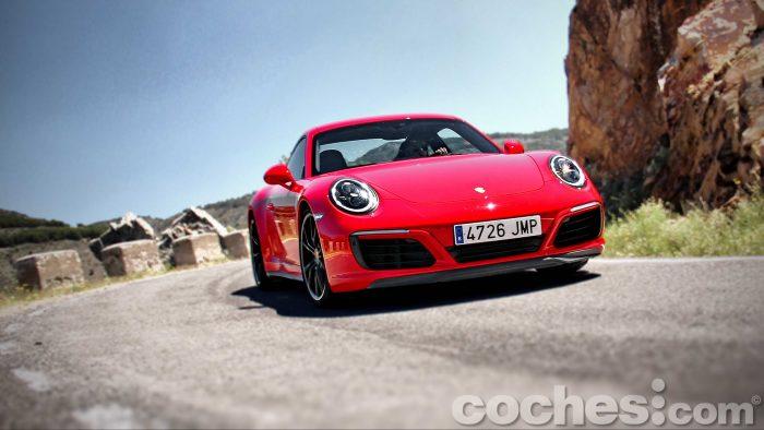 Porsche_911_Carrera_4S_100