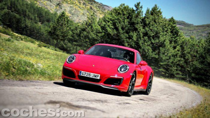 Porsche_911_Carrera_4S_106