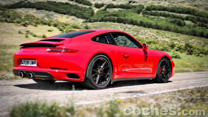 Porsche_911_Carrera_4S_107