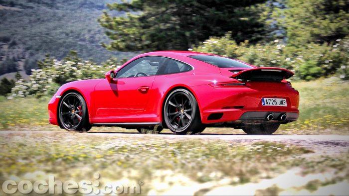 Porsche_911_Carrera_4S_109