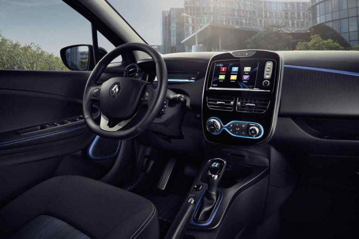 Renault ZOE ZE 40 2016 interior - 5