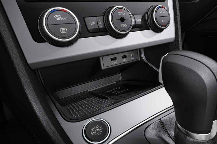 Seat Leon 2017 interior - 3