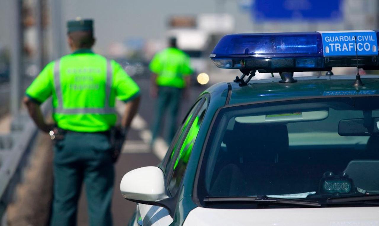 coche-guarcia-civil-trafico