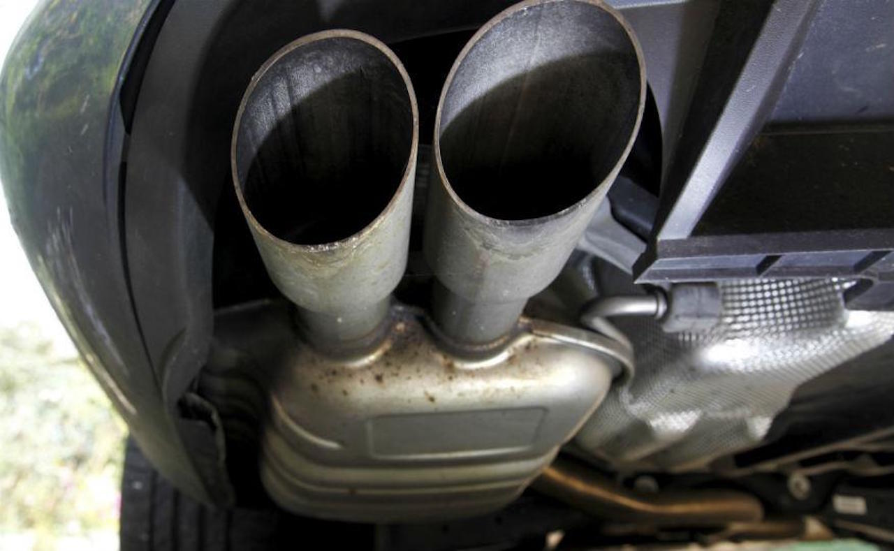 tubo-de-escape-emisiones