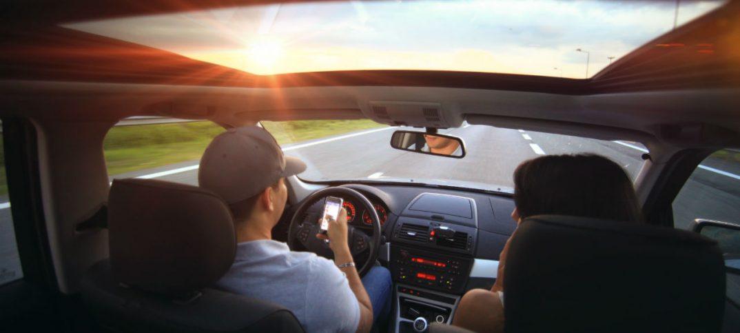 Conducir con el móvil