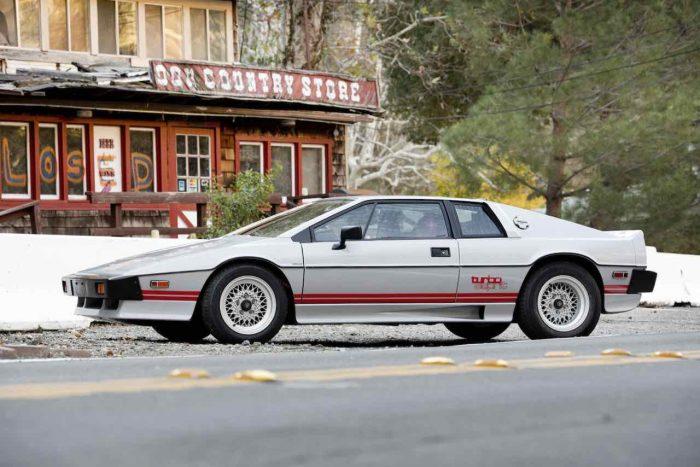 lotus-esprti-turbo-1983-28