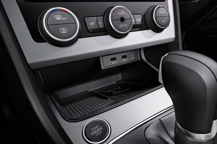 seat-leon-sc-2017-interior-5