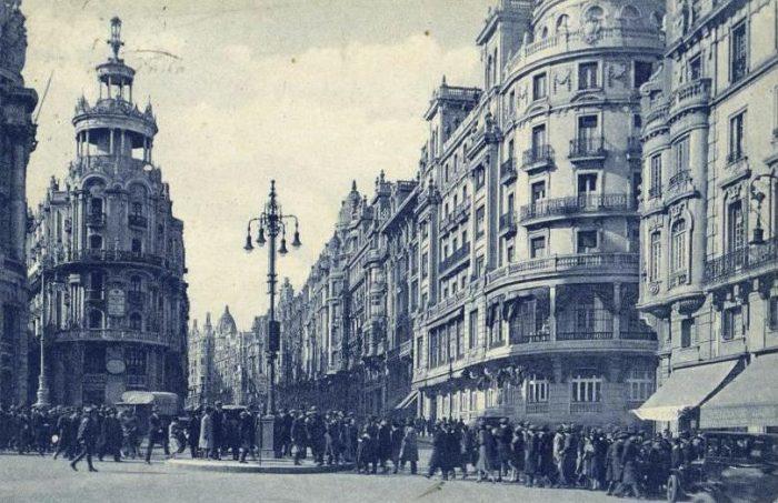Semáforo en la calle Alcalá