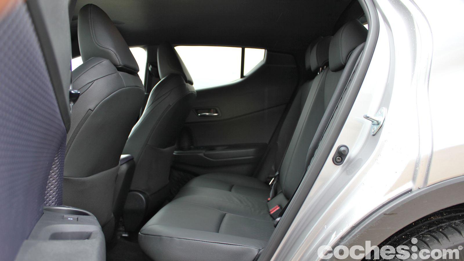 Toyota C Hr Prueba Del Suv Compacto Inconfundible