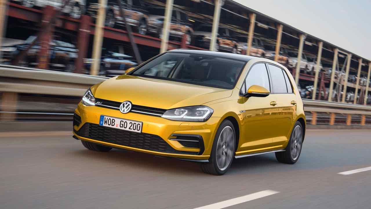 volkswagen-golf-2017-1