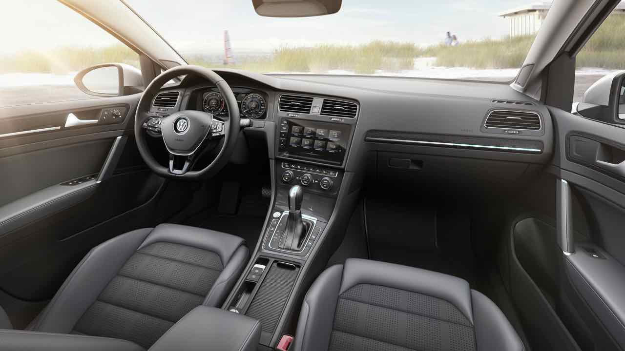 volkswagen golf variant 2017 as se renueva el familiar. Black Bedroom Furniture Sets. Home Design Ideas