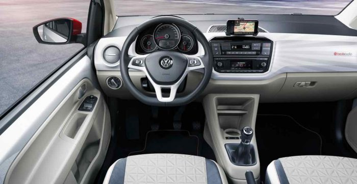 volkswagen-up-beats-2016-interior-4