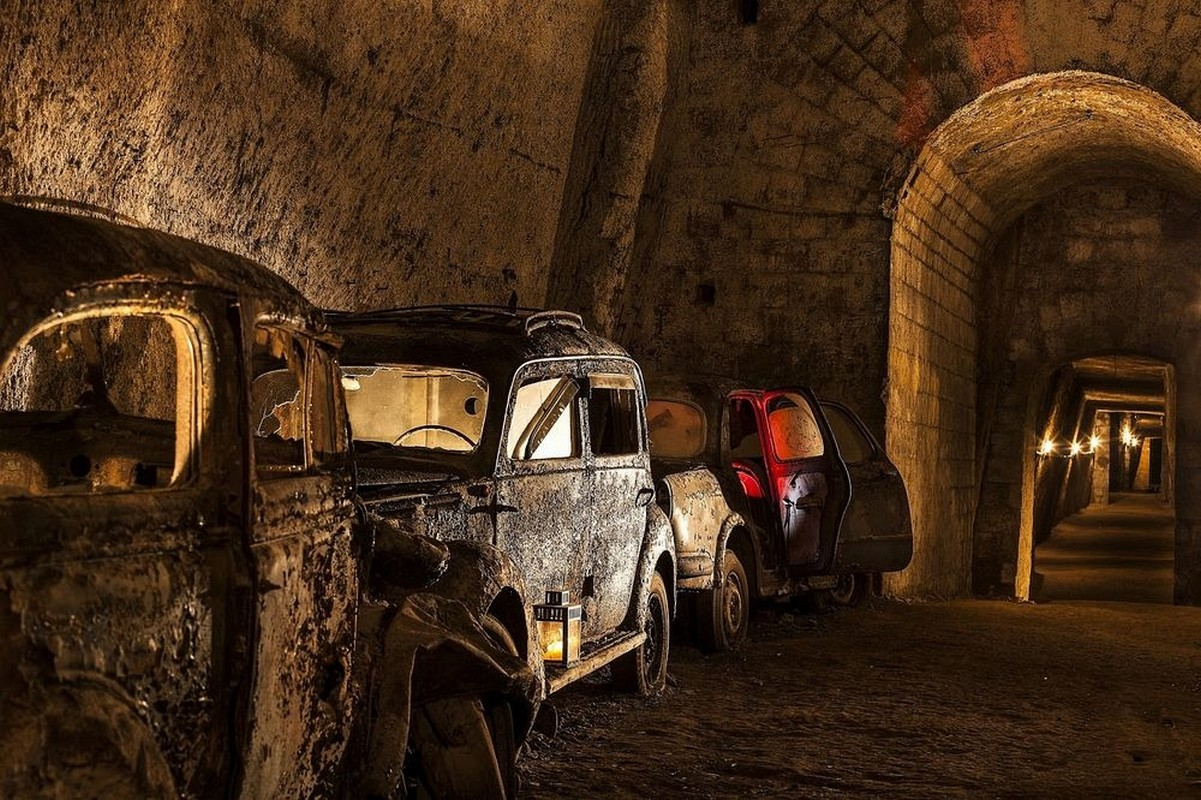 bourbon-tunnel